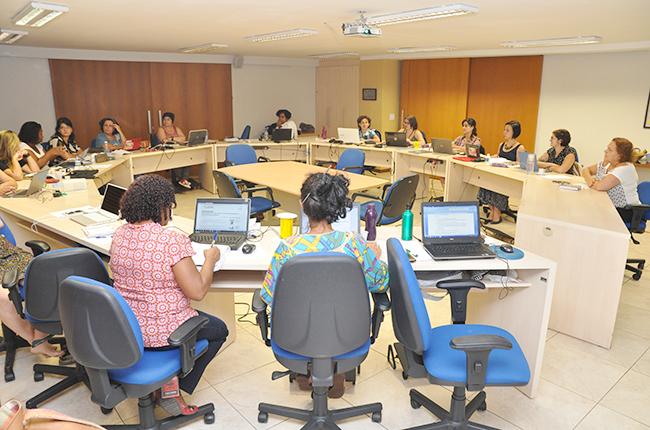 Imagem das conselheiras do CFESS reunidas durante o Conselho Pleno de março.