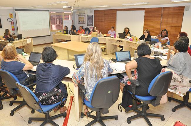 Conselheiras do CFESS reunidas durante o Conselho Pleno de dezembro de 2018.