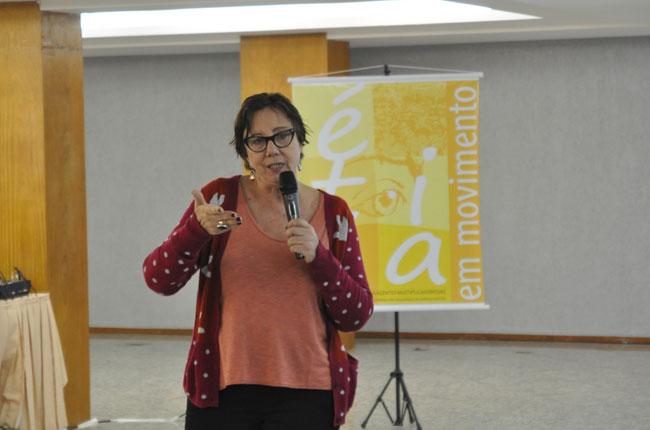 Professora Lúcia Barroco iniciou o Módulo I (foto: Rafael Werkema)