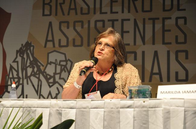 Professora Marilda Iamamoto integrou a conferência final (foto: Rafael Werkema)
