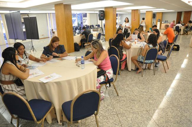 Participantes realizaram trabalho em grupo durante o curso (foto: Diogo Adjuto)