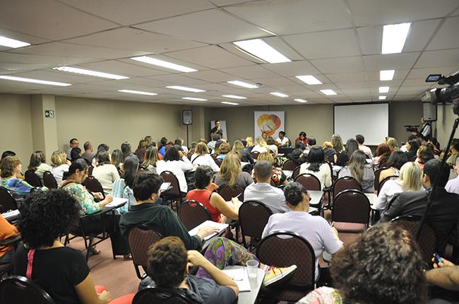 Imagem mostra participante apresentando suas dúvidas sobre a Fiscalização