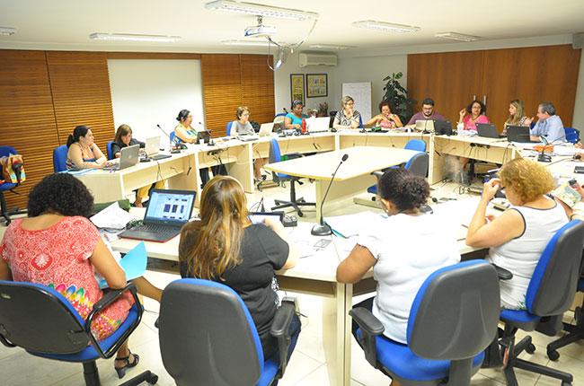 Imagem da reunião do Conselho Pleno do CFESS em outubro de 2015