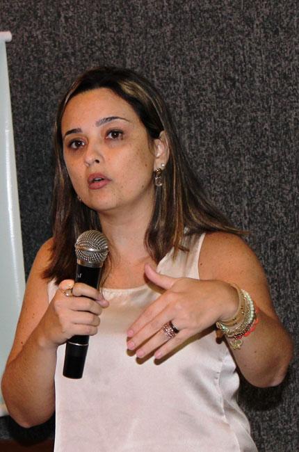 Professora Fabíola Leal também representa o CFESS no Conad