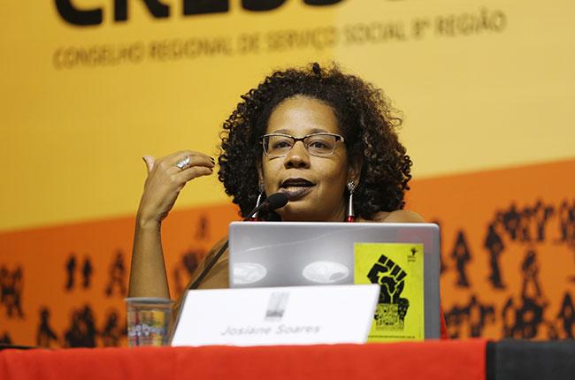 Imagem da presidente do CFESS, Josiane Soares.