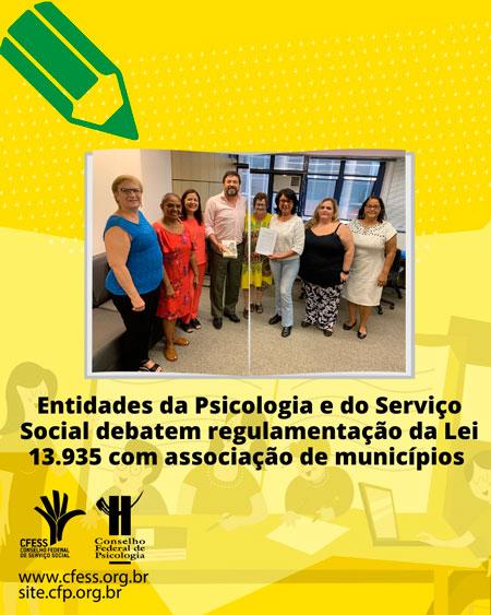 Card em fundo amarelo mostra foto posada dos/as participantes da reunião com o diretor da ABM.