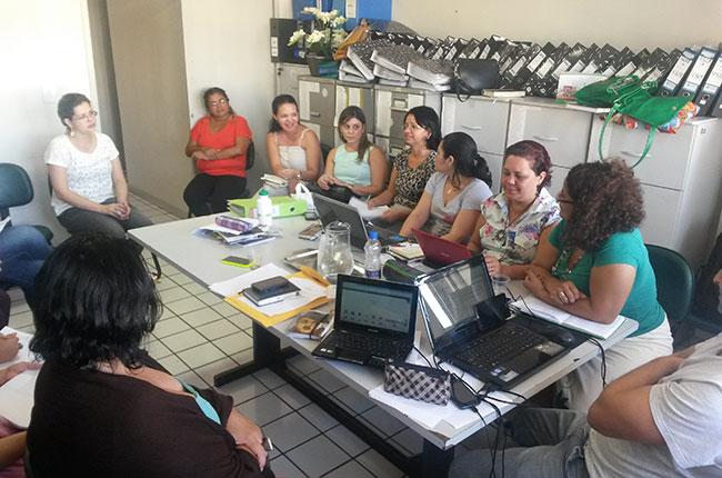 Imagem da reunião do CFESS na Estrada no Rio Grande do Norte