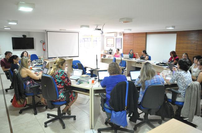 Imagem da última reunião do Conselho Pleno do CFESS, que muda de gestão em 15 de maio