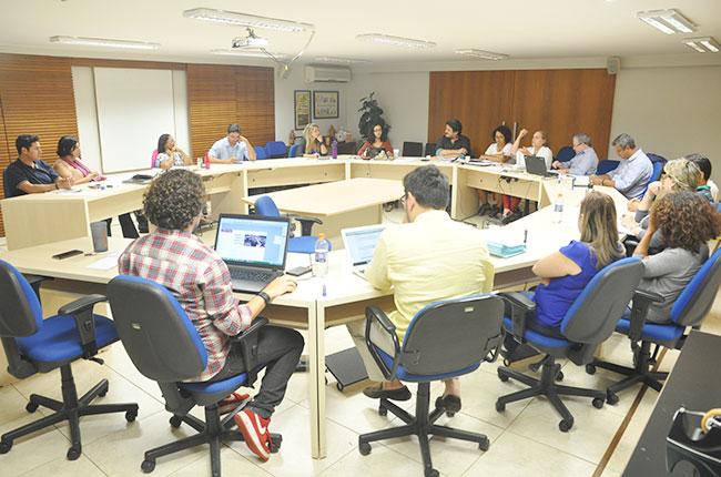 Imagem dos funcionários do CFESS reunidos para o projeto