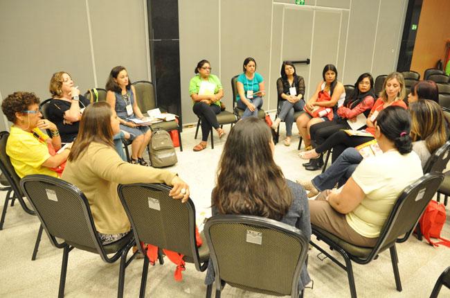 CFESS organizou reunião com assistentes sociais no evento (foto: Diogo Adjuto)