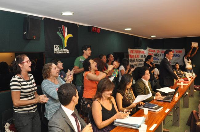 Conselheiras do CFESS reivindicam aprovação do PL Educação na Câmara