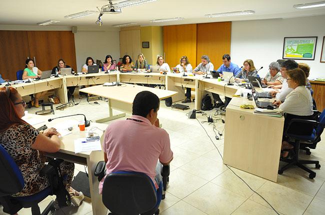 Imagem da reunião do Fentas na sede do CFESS