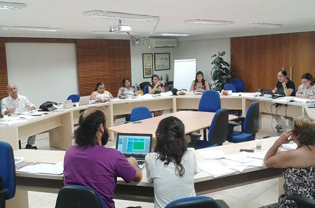 Imagem da reunião do FNTSUAS em Brasília, na sede do CFESS