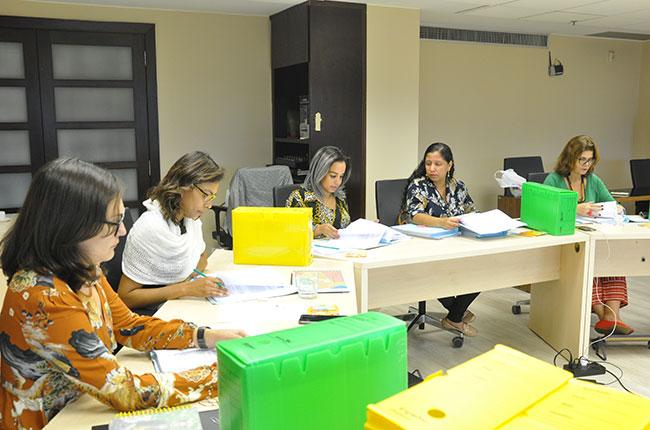 Imagem das assistentes sociais reunidas durante a comissão especial 2019.