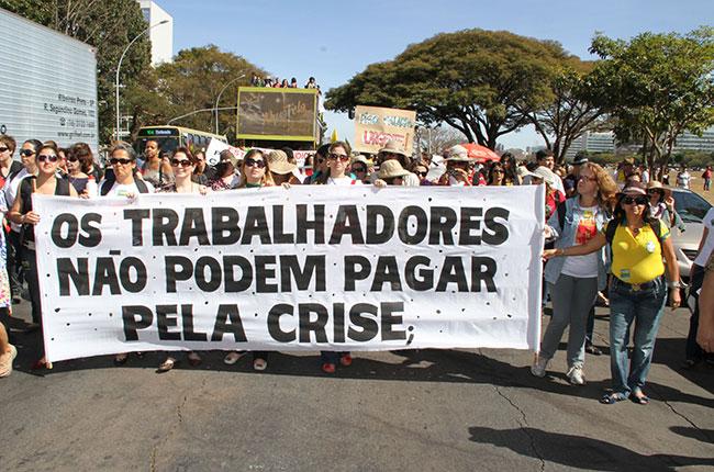 Imagem do ato público de assistentes sociais pela lei das 30 horas, em Brasília, em 2010