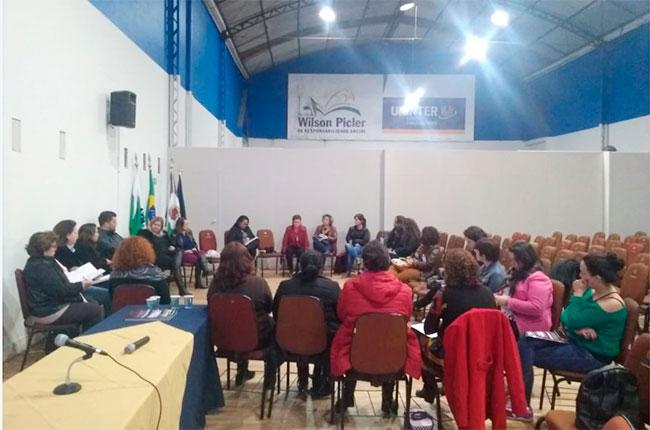 Imagem da reunião ampliada da Comissão de Assistência do CRESS-PR