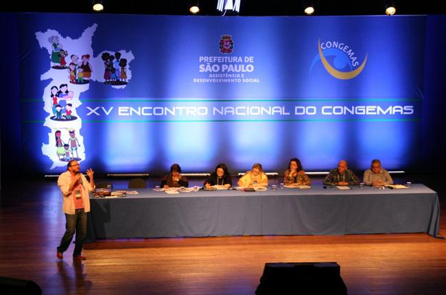 Foto da mesa de abertura do 15º Congemas, em São Paulo (SP)