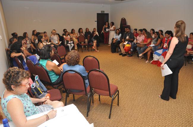 Imagem de uma das oficinas simultâneas durante o seminário de sigilo