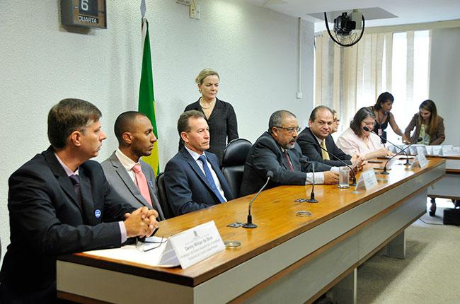 Imagem da audiência pública realizada no Senado Federal, sobre a violência contra trabalhadores no Paraná