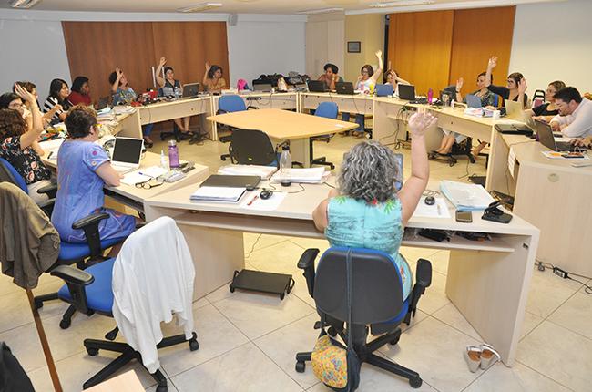 Imagem da reunião do Conselho Pleno do CFESS de abril