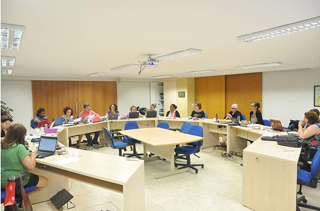 Imagem da reunião do Conselho Pleno do CFESS de novembro de 2016