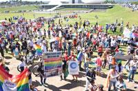 CFESS marcha contra a homofobia no Brasil