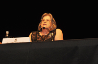 Professora Marilda Iamamoto recebe premiação internacional