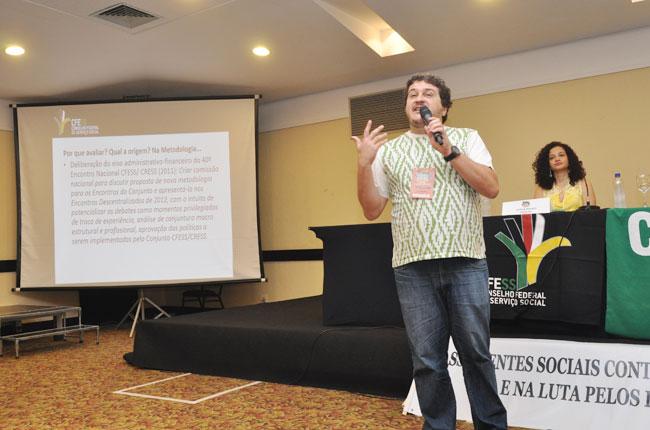 Presidente do CFESS, Maurilio Matos, fala sobre a metodologia do evento