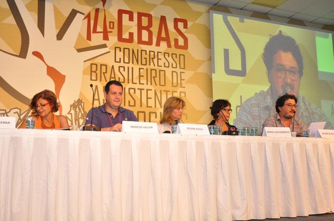 Uma das mesas simultâneas debateu os desafios éticos no trabalho profissional (foto: Rafael Werkema)