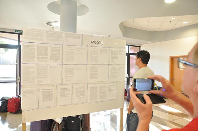 Imagem do quadro com as moções aprovadas no evento
