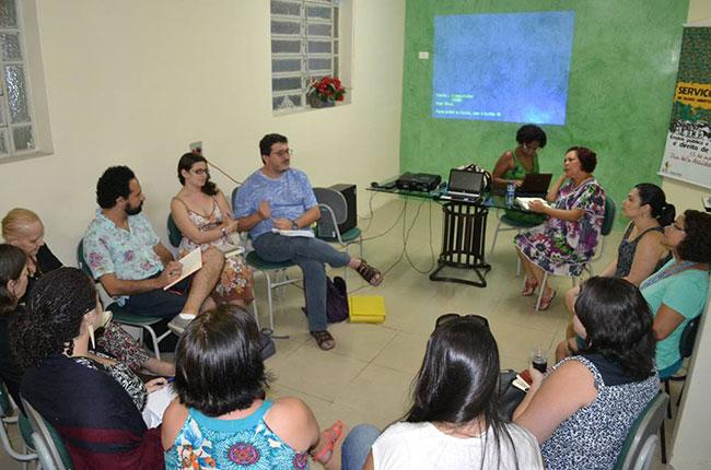 Imagem da reunião no CRESS-PE