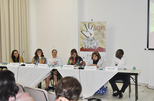 A plenária sobre a articulação internacional trouxe profissionais de outros países (foto: Rafael Werkema)