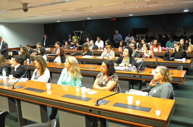Plenário dez da Câmara dos Deputados durante a audiência pública