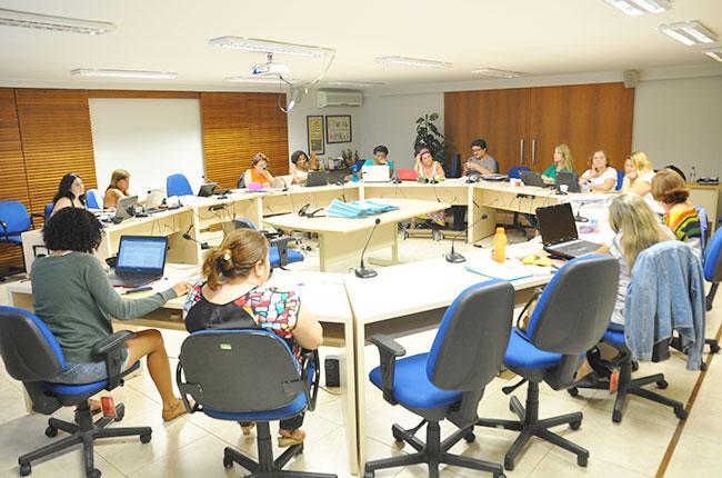 Imagem da reunião do Conselho Pleno do CFESS em dezembro de 2015