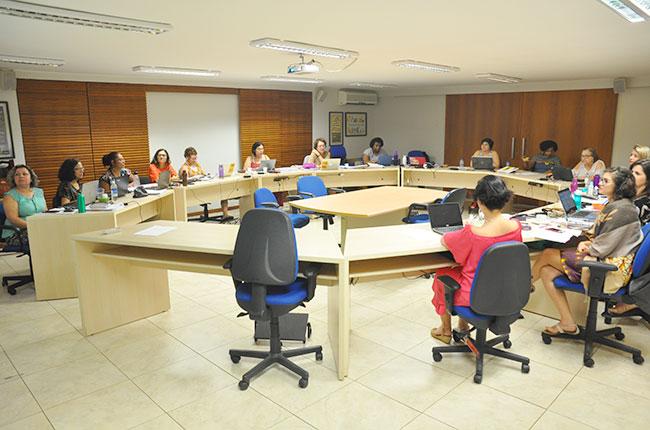 Imagem da reunião do Conselho Pleno do CFESS em outubro.