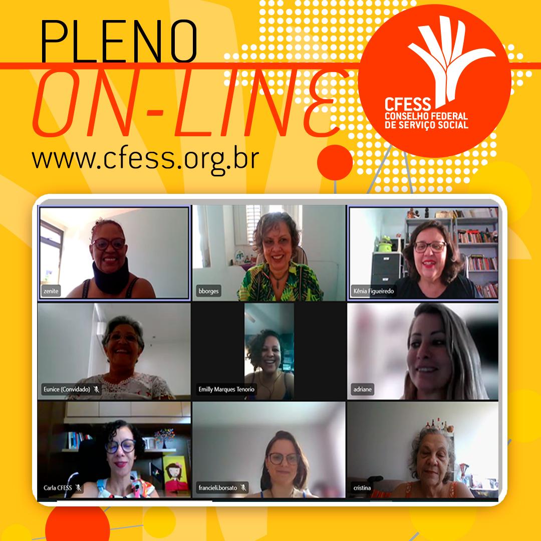 Card com fundo amarelo traz o título Pleno On-Line e imagens de algumas das participantes da reunião virtual em janelas separadas.