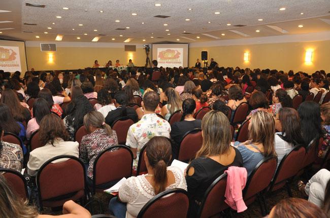 Imagem do público do evento no primeiro dia
