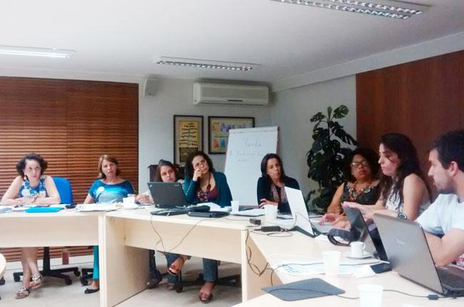 Imagem da reunião do colegiado da Frente contra a Privatização da Saúde no CFESS