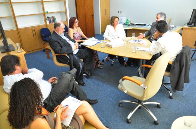 Grupo se reuniu na Procuradoria-geral da República, antes de ir ao STF (foto: Diogo Adjuto)