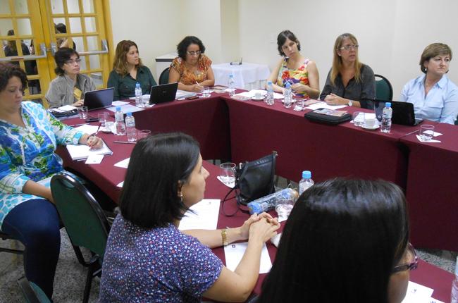 Foto da reunião do GT Trabalho e Formação, em abril de 2013, no Rio de Janeiro (RJ)