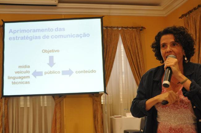Imagem da professora Ana Lúcia Vaz