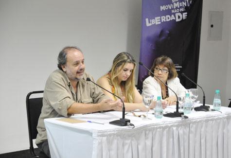Foto da primeira mesa da Plenária Nacional que debateu o trabalho do assistente social no SUAS