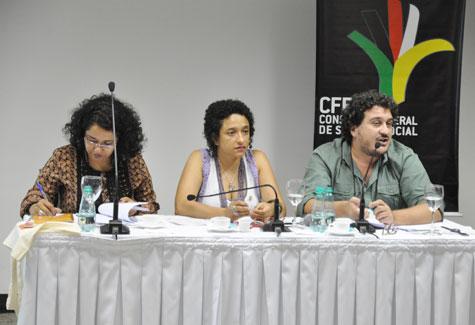 Foto da segunda mesa da Plenária Nacional sobre o trabalho do assistente social no SUAS